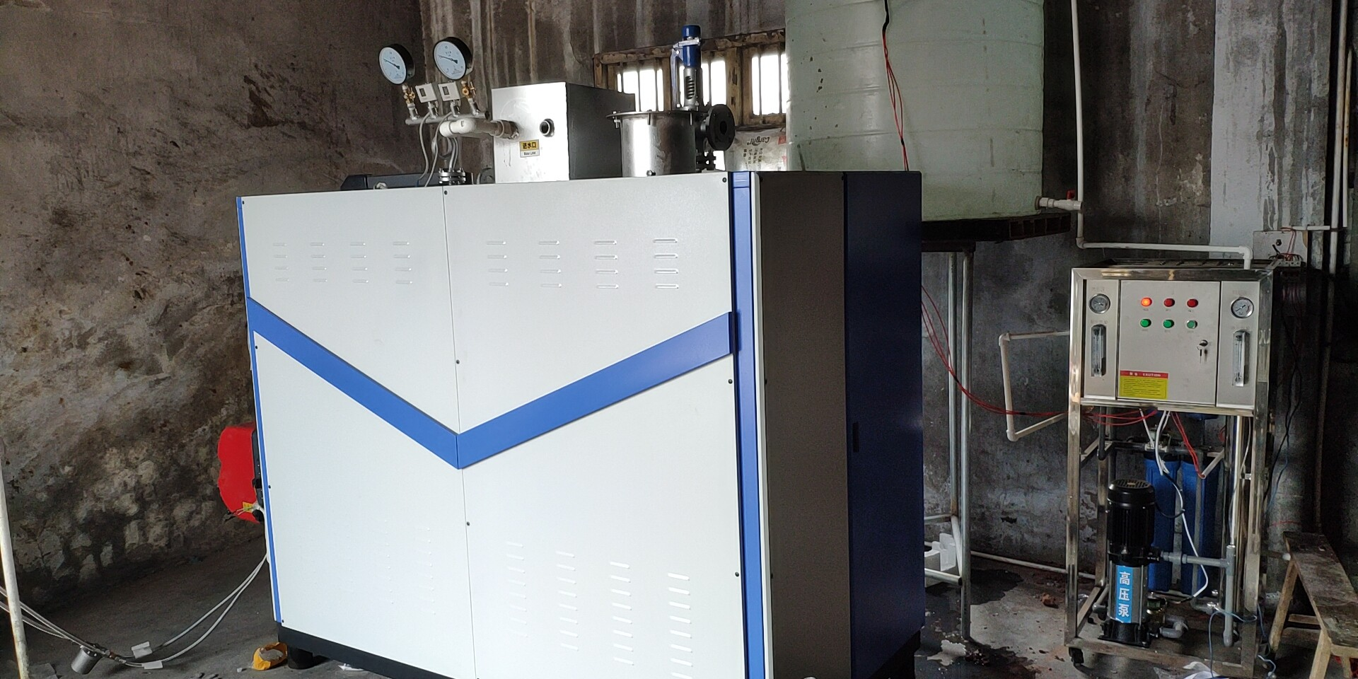 500kg燃油蒸汽发生器用于饲料机械供汽.jpg